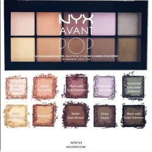 🔥NYX *Nouvea Chic* Eyeshadow Pallet🔥W/GIFTS!😍🎁